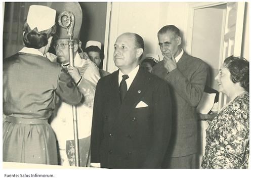 Inauguración del centro. María de Madariaga junto al Alcalde de Madrid y el Obispo auxiliar de Madrid